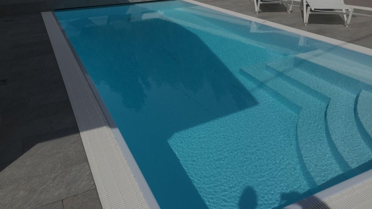 Rifacimento pavimentazione esterna e solarium piscina privata (Vicenza)